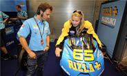 16 éves tinilány vezetheti Capirossi Suzukiját