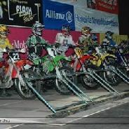 Nemzetközi Terem- Motocross Verseny-Syma Csarnok.